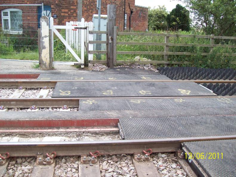 Level crossing Gates removed - pedestrian access maintained
