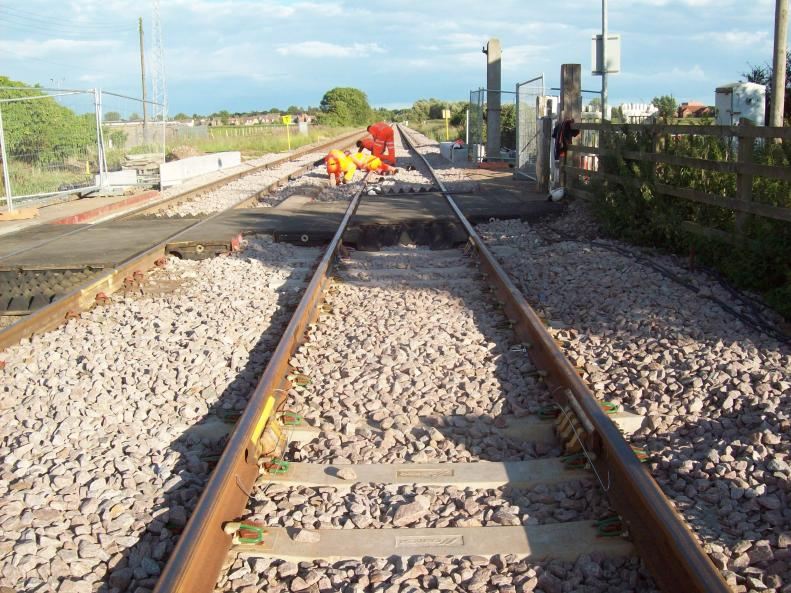 Clipped Track Joints