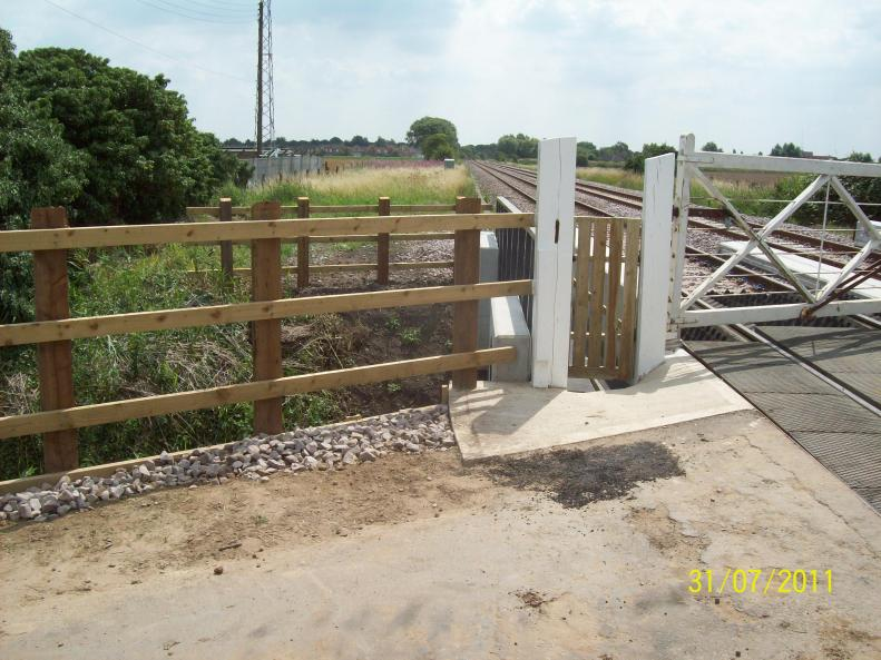 Snagging complete - Gate, hardstanding and Signs completed.