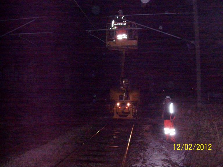 Border Rail carrying out OHLE modifications